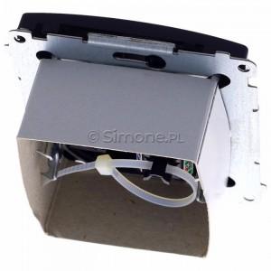 Simon Basic BM61.01/28 - Gniazdo komputerowe pojedyncze 1xRJ45 kat.6 z przesłoną przeciwkurzową - Grafit Mat. - Podgląd zdjęcia 360st. nr 4