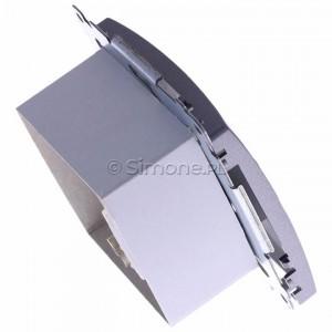 Simon Basic BM61E.01/21 - Gniazdo komputerowe pojedyncze 1xRJ45 kat.6 ekranowane z przesłoną przeciwkurzową - Inox Met. - Podgląd zdjęcia 360st. nr 3